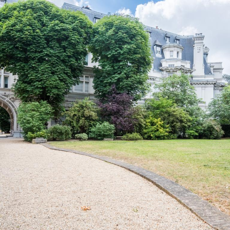 NEUILLY - BAGATELLE - CHATEAU MADRID