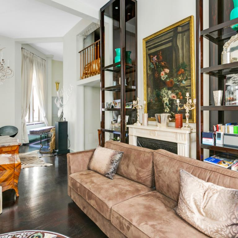 TRIANGLE D'OR - SUPERBE PIED A TERRE